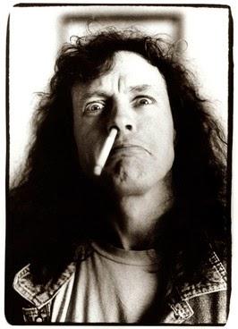 AC/DC - Minder roken, meer rocken